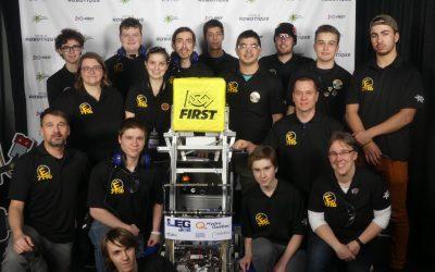 L'équipe de First Robotics du Collège Shawinigan entraine les Apprentis Génies !
